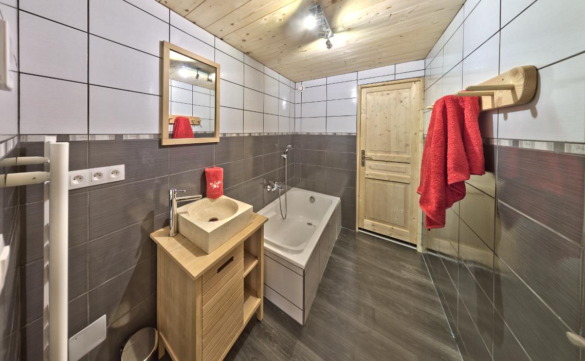 Le Sacavagne 1 : Appartement meublé de 8 personnes à Bonneval-Sur-Arc