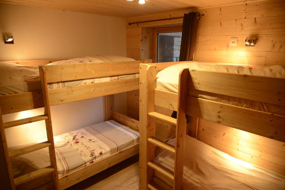 Le sacavagne 1 appartement meubl de 8 personnes for 2 chambres dans 50m2